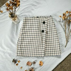 H & M plaid mini skirt